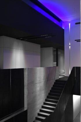 Headquarter kreon, Treppe aus Stahl und Beton im neuen kreon Headquarter