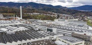 Das Mercedes-Benz Werk in Gaggenau mit dem neuen Gesundheitszentrum von oben. Bild: Daimler AG