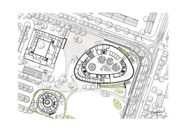 Sowohl die Kindertagesstätte (links) als auch das Verwaltungsgebäude (rechts) verfügen über eine unkonventionelle Architektur.. Bild: HGEsch.