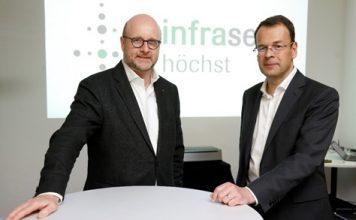 Die Infraserv-Geschäftsführer Jürgen Vormann (links) und Dr. Joachim Kreysing sind mit der Bilanz 2018 zufrieden. Bild: Infraserv GmbH & Co. Höchst KG