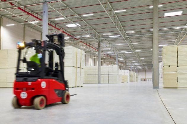 Insgesamt verkauft das Unternehmen jährlich 90 Mio. qm Dämmmaterial. Bild: Firestone Building Products Company