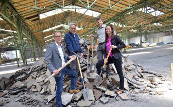Von links nach rechts: Martin Adolph (Leiter Aurelis Asset Management), Stefan Wiegand (Geschäftsführer Aurelis Region Süd), Roman Beer (Projektmanager) und Christina Schäfer (Aurelis Asset Management). Bild: A. Schmidhuber/Aurelis