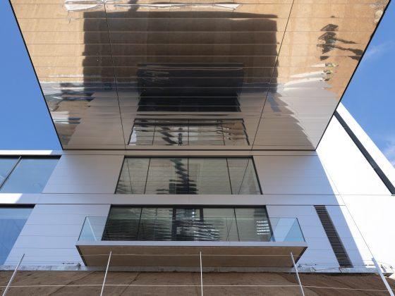 Spiegelungen an der Fassade. Bild: pierer.net