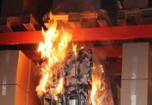 Brandversuch im Labor: Lithium-Batterien, eine häufige Schadensursache in Brandfällen. Bild: VdS/B.Wagner & D.Bormann