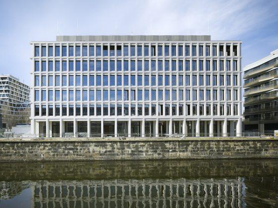 Das Bürogebäude am Hamburger Bahnhof in Berlin-Mitte. Bild: R. Walti