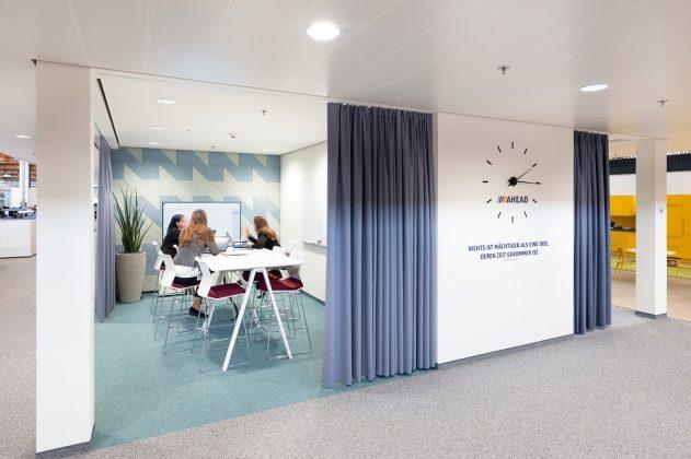 Im Hofer Alpha Retail Network gibt es offene, halbgeschlossene und geschlossene Besprechungsräume. Bild: ATP/C. Pierer