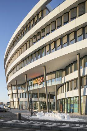 Der Eingangsbereich des Trivago-Campus. Bild: sop architekten/Constantin Meyer Fotografie